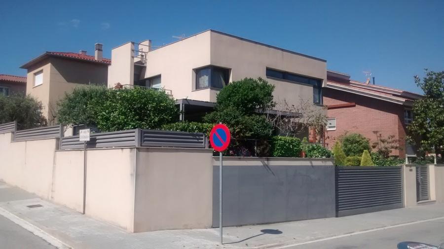Pintar exterior casa cuatro vientos esparreguera - Presupuesto pintar casa ...