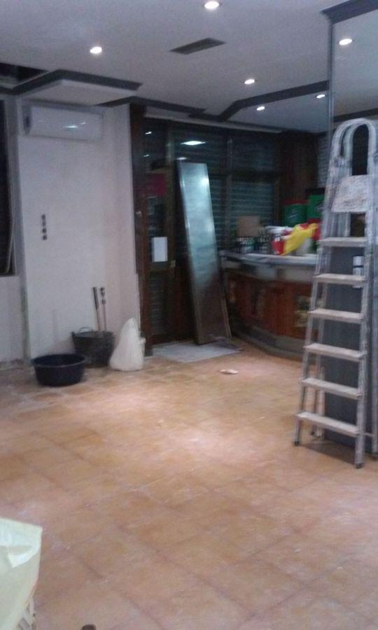 Reforma de un bar alicatar la cocina poner el suelo - Pintar suelo cocina ...