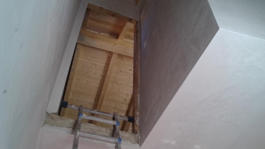 Escalera de pino y puertas de paso helguera cantabria - Puertas de escalera ...