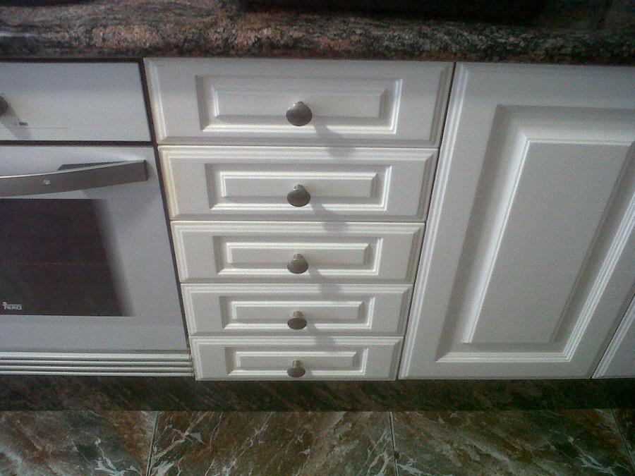 Puerta lacada blanca precio amazing precio de puertas for Lacar muebles en blanco