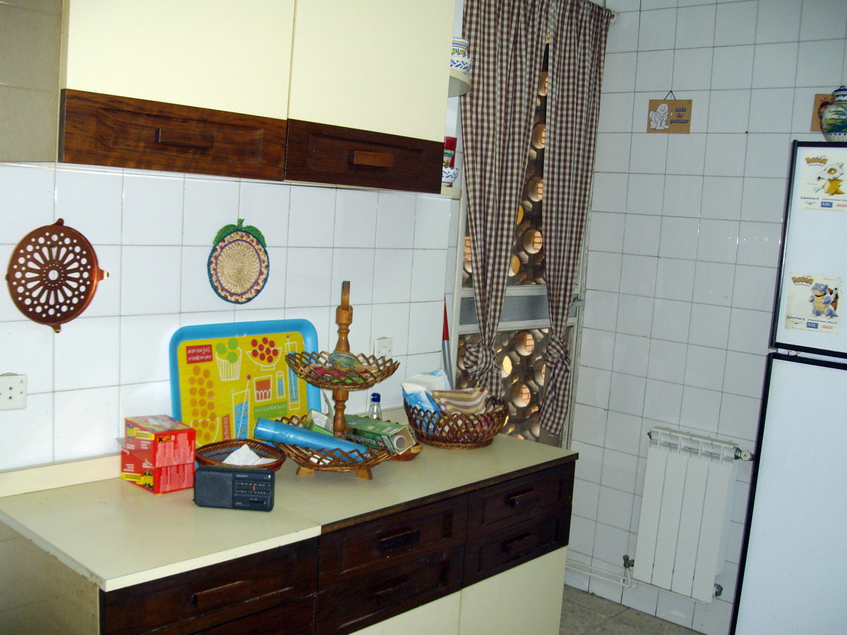 Reformar Baño En Vestidor:Reformar cocina y 3 baños, cambiar cableado, quitar papel pintado etc