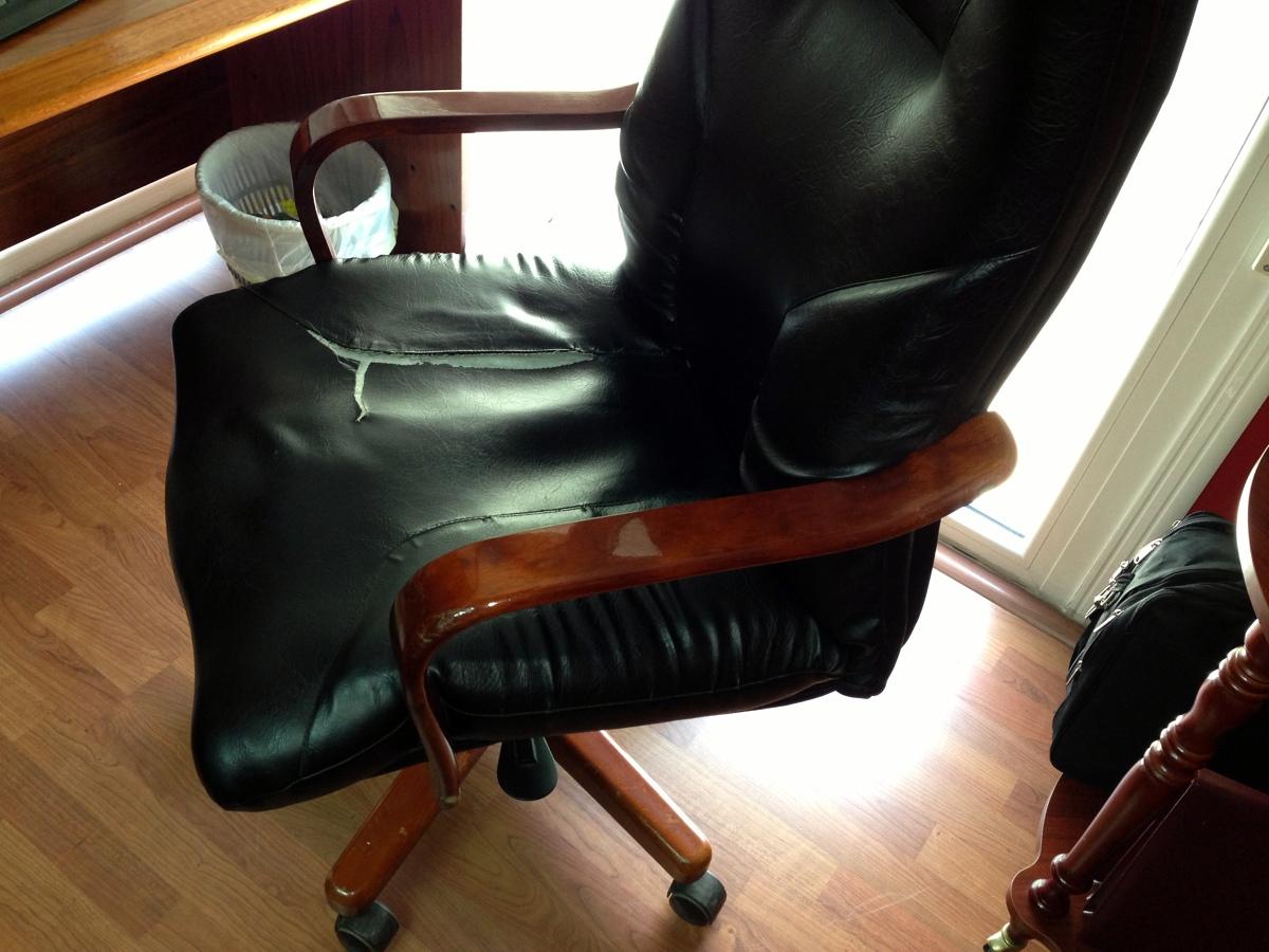 Tapizar sillon despacho almer a almer a habitissimo - Tapizar sillon precio ...