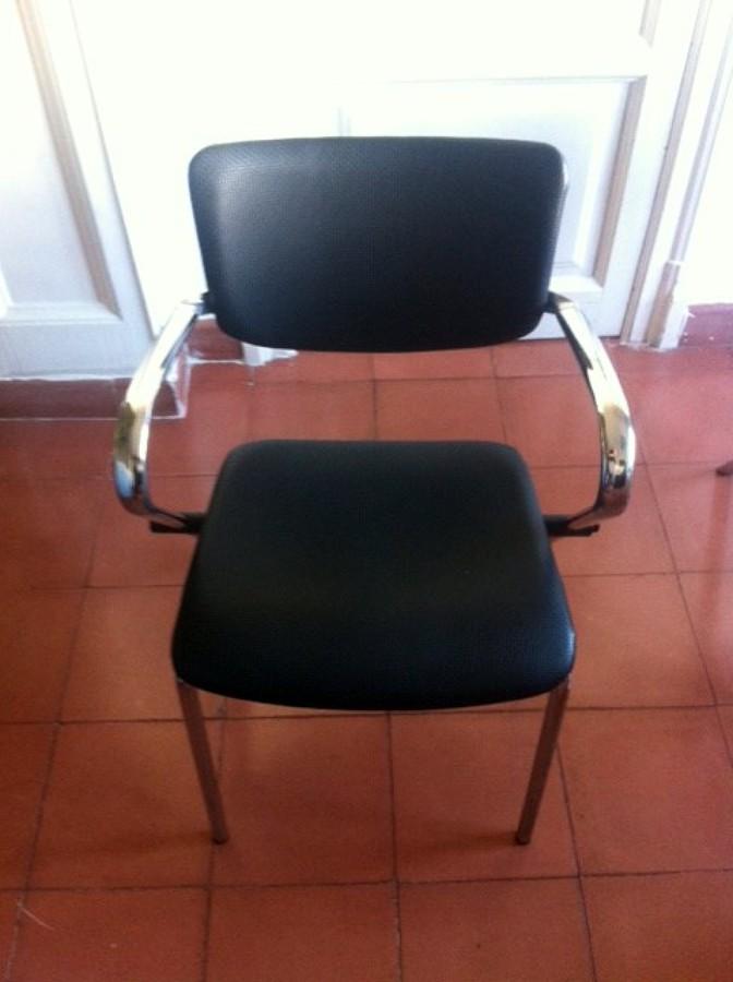 Tapizar sillas en piel barcelona barcelona habitissimo for Tapizar sillas precio