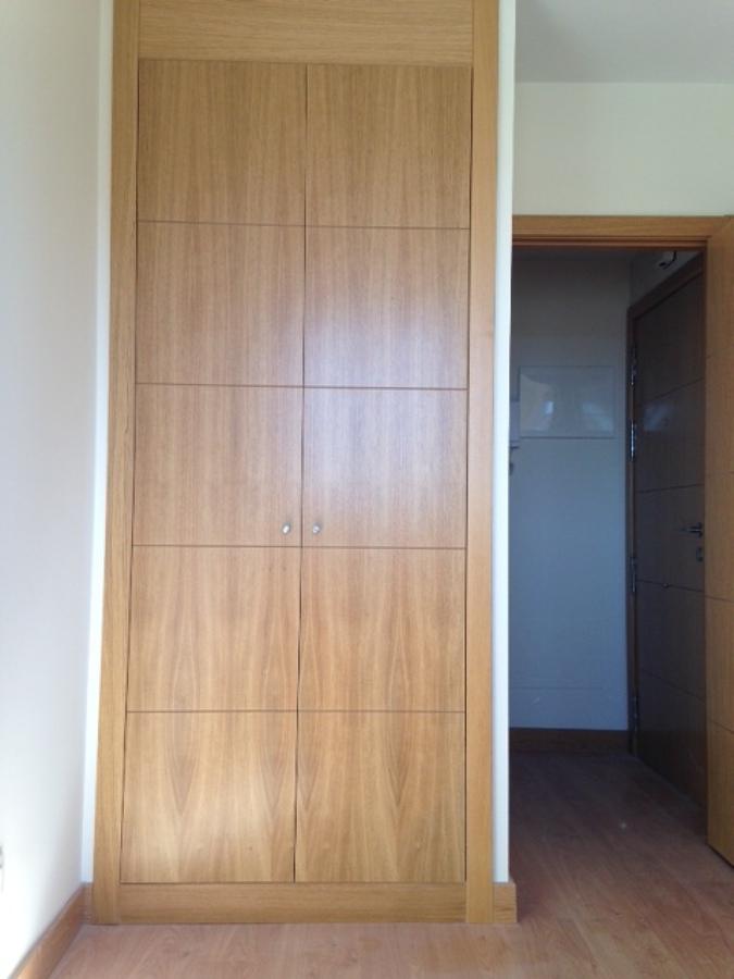 cambiar armario empotrado con puertas abatibles por