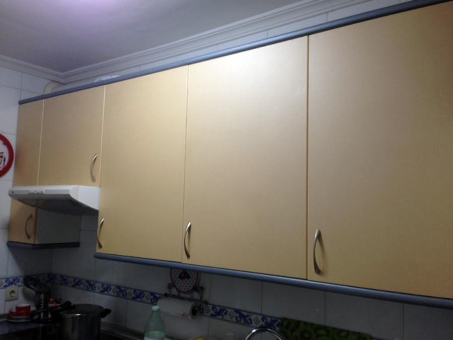 Pintar mueble cocina y cambiar encimera madrid madrid - Cambiar puertas muebles cocina ...
