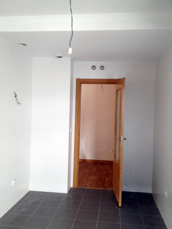 Converir e instalar puerta normal en corredera barreda - Como instalar una puerta corredera ...