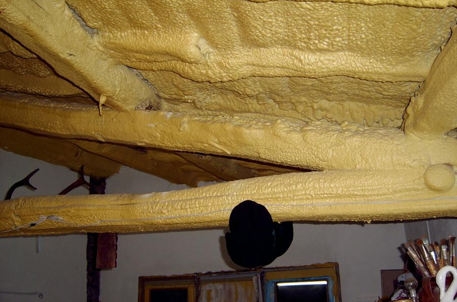 Retejar tejado cambiando vigas de madera a hierro losas de for Tejados de madera en leon