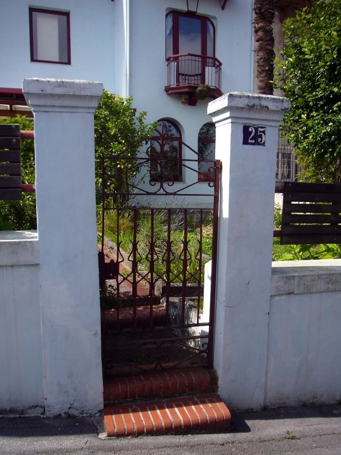 Puertas met licas para jard n santander cantabria - Puertas metalicas jardin ...