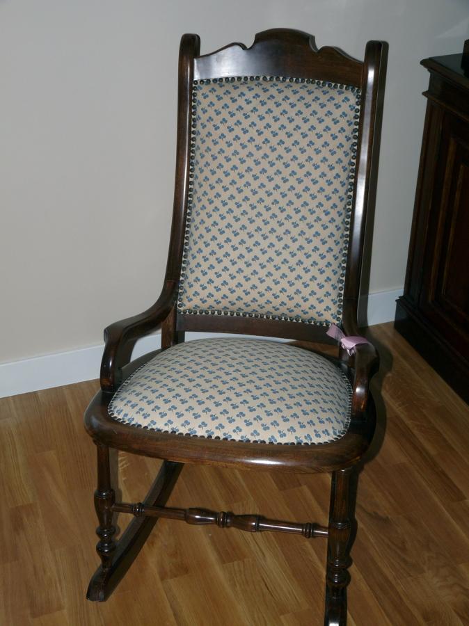 Tapizar sillones sillas mecedora y cubrir mesa vitoria gasteiz lava habitissimo - Precio tapizar sillas ...