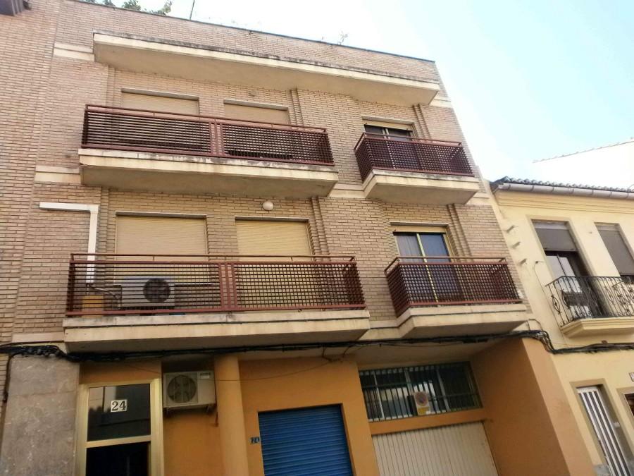 Pintar fachada y escalera de vivienda torrent valencia for Escaleras de viviendas