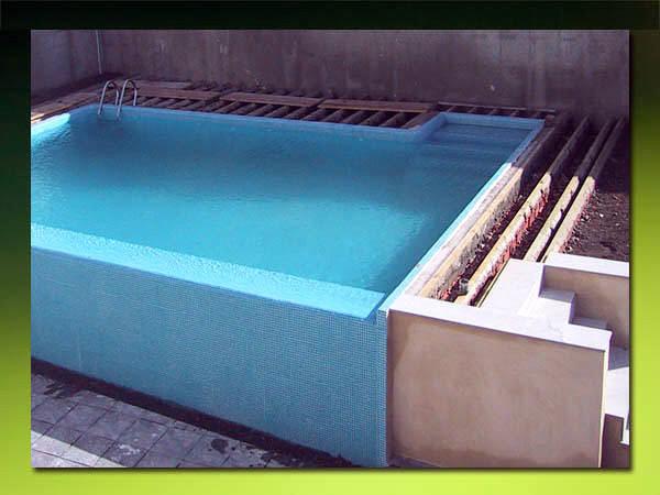 Contruir piscina de obra villanueva del ariscal sevilla for Piscinas sin obra