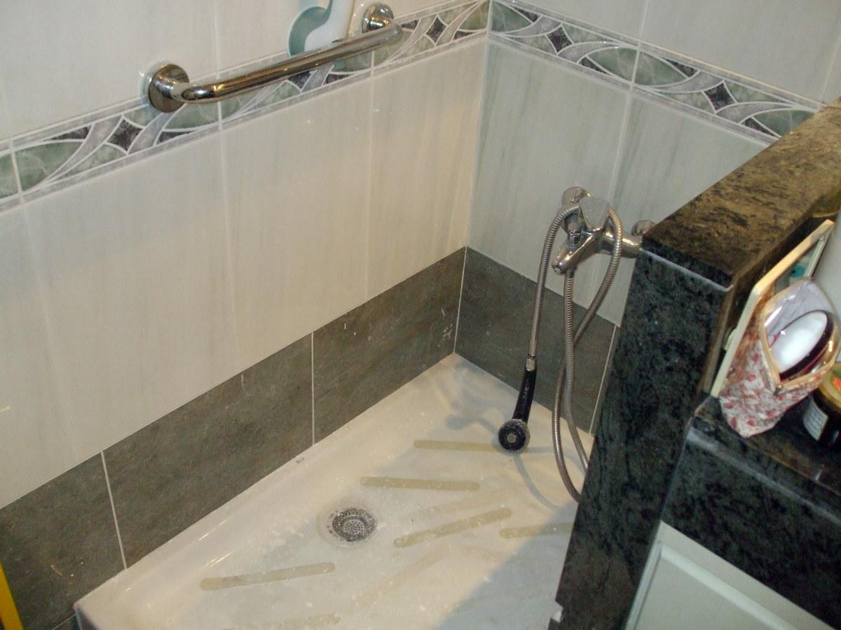 Instalar una mampara en plato de ducha barcelona - Instalar una mampara de ducha ...