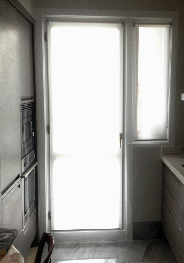 Cortina puerta cocina dise os arquitect nicos for Cortinas puerta cocina