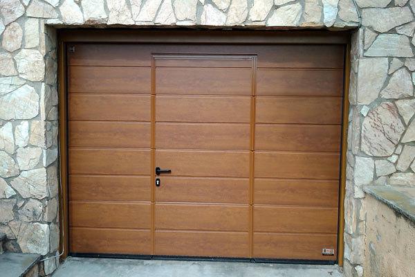 Urgente presupuesto puerta de garaje villanueva de for Puertas automaticas garaje precios