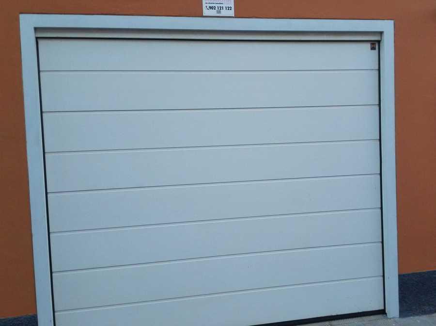 Puerta autom tica enrollable para garaje santa cruz de - Puerta de garaje automatica ...