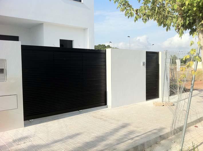 Puerta corredera hierro exterior el montmell tarragona for Precio de puertas para casa