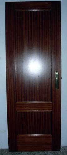 Lacado en blanco de puertas sapelly madrid madrid - Lacar puertas sapelly ...