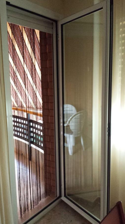 Instalar puerta mosquitera de aluminio tortosa for Presupuesto puerta aluminio