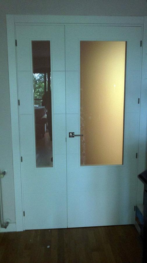 Puerta doble lacada en blanco para el comedor valencia - Puertas para comedor ...