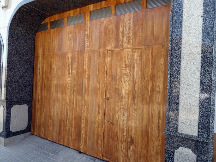 Pintar puerta de garaje pedro mu oz ciudad real - Presupuesto lacar puertas ...