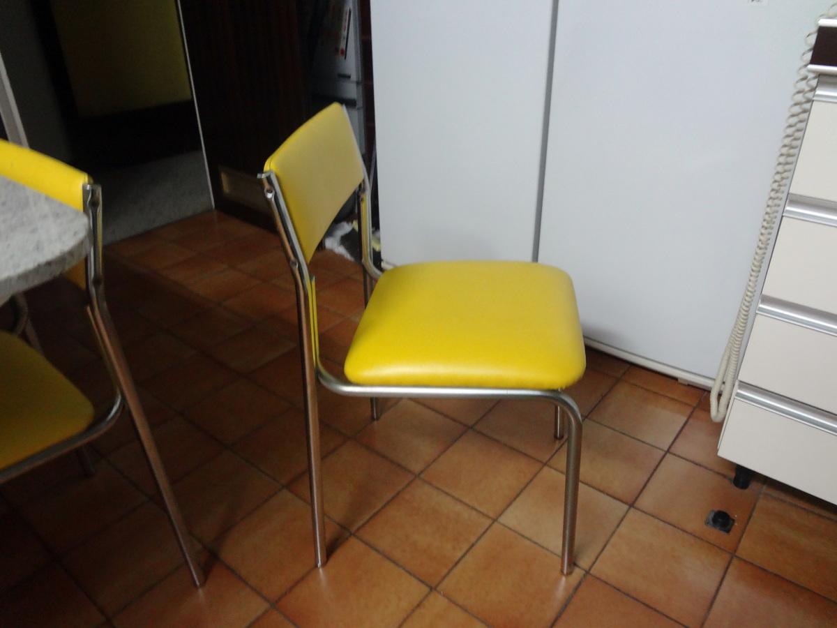 Retapizar 4 sillas sobre el tapizado existente barcelona for Tapizar sillas precio