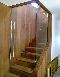 Cerramiento con cristal becerril de la sierra madrid - Cerramientos de escaleras ...