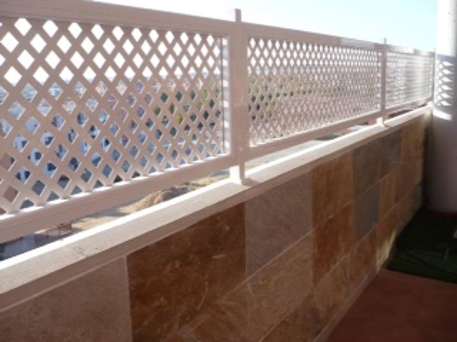 Barandillas aluminio pinto madrid habitissimo - Celosias terrazas aticos ...