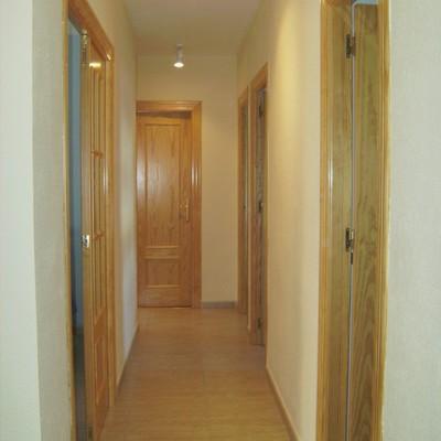 Pintar todo el interior del piso cada habitacion en su - Pintar entrada piso ...
