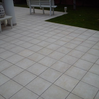 Limpieza de terraza exterior en chatel con pavimento - Suelo exterior antideslizante ...