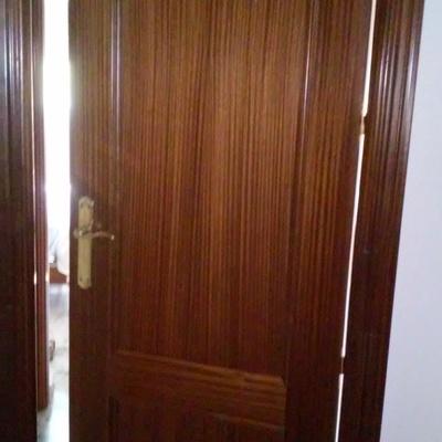 Cambiar color a puertas interiores de vivienda c rdoba for Cambiar puertas piso