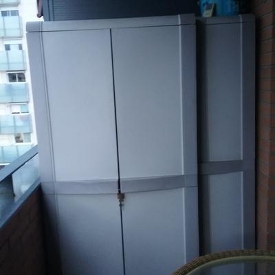 Un armario a medida para el balc n cornella cornell de for Armario para balcon exterior