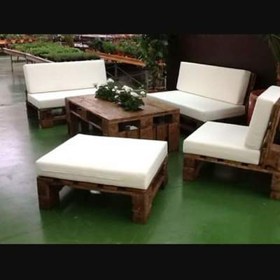 Tapizado para sillones de palets de madera fuengirola for Muebles para pub