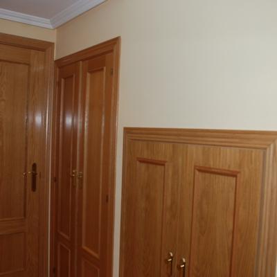 Pintar y lacar puertas y rodapi s en color blanco - Pintar puertas de madera en blanco ...