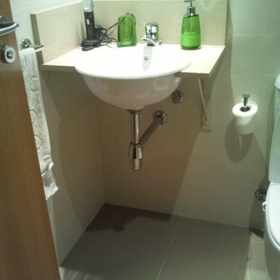 Hacer mueble para debajo del lavabo del cuarto de ba o for Precio hacer un cuarto de bano nuevo