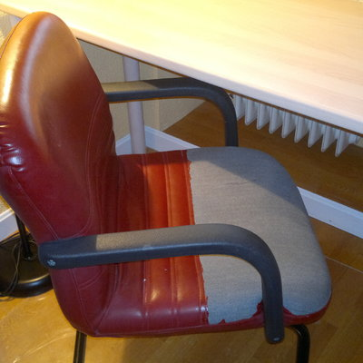Tapizar silla de oficina peque a no sill n polipiel - Precio tapizar sillas ...