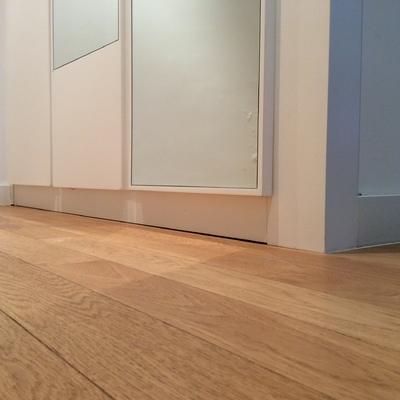 Sustituir suelo laminado en vivienda centro oviedo - Colocar parquet laminado ...