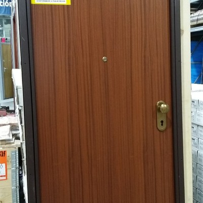 Precio instalar puerta de seguridad habitissimo for Precio de puertas inyectadas
