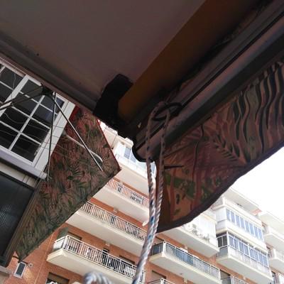 Cambiar gu as de toldo madrid madrid habitissimo for Reparar brazo de toldo