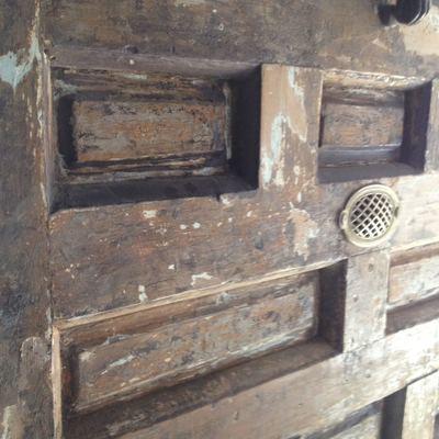 Pintar techos y vigas de madera y restaurar puerta toledo toledo habitissimo - Restaurar vigas de madera ...