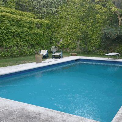 Renovar el bordillo de la piscina bufaganyes girona for Bordillo piscina