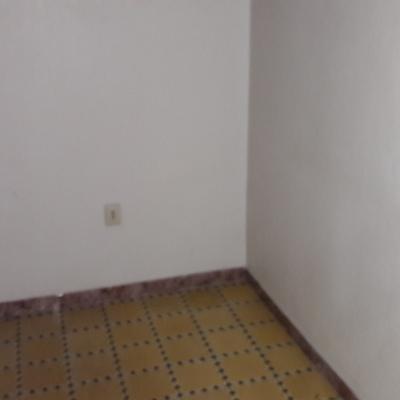 Piso completo econ mico en barcelona barcelona - Precio pintar piso barcelona ...