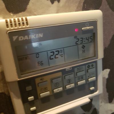 Reparar aire acondicionado en madrid madrid madrid for Simbolos aire acondicionado daikin