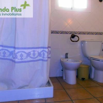40 - Cuarto de baño en suite de la habitación de matrimonio_472193