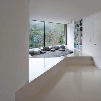 Suelo resina epoxi y lacado de puertas en blanco fuente for Suelo resina epoxi vivienda