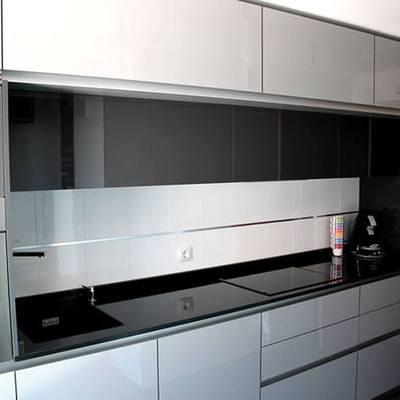 Cocina blanca y negra legan s madrid habitissimo for Cocina blanca encimera negra