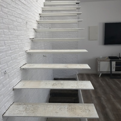 Revestir 2 tramos de escalera con madera valencia for Escalera madera 2 tramos