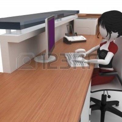 8187796-chica-3d-que-trabaja-en-el-mostrador-de-ayuda-aislado-en-blanco_521300