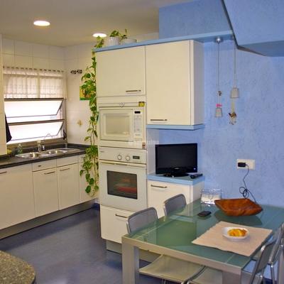 Reformar cocina mobiliario santos barcelona barcelona for Cocinas santos barcelona