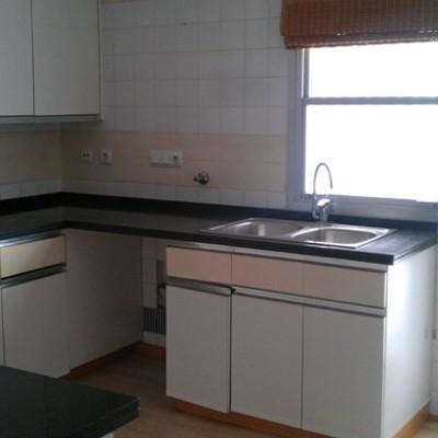 Desmontar y montar muebles cocina y parquet tur parc - Montar muebles de cocina ...