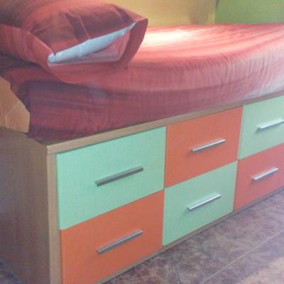 Hacer una cama compacta con 8 cajones torredembarra - Cama compacta con cajones ...